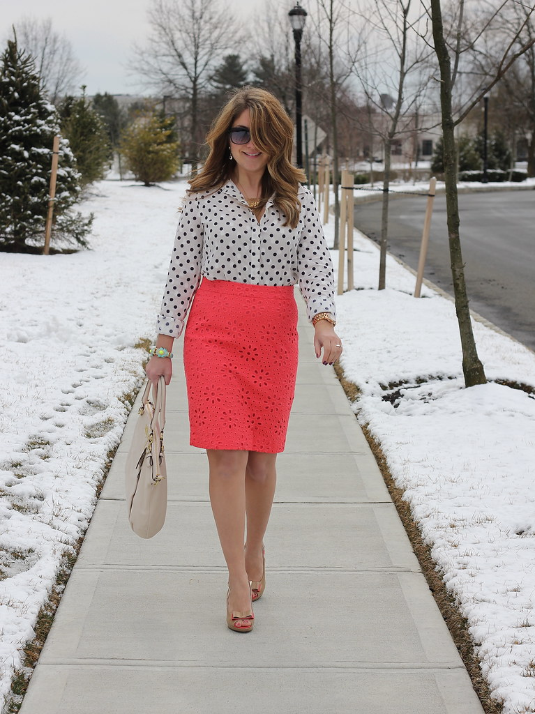 Red Pencil Skirt Outfit Ideas